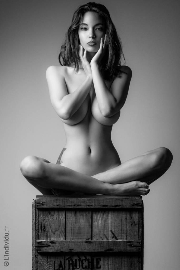 NAKED BEAUTY - L'Individu Photography