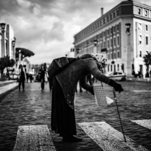 THE BEGGAR - L'Individu Photography